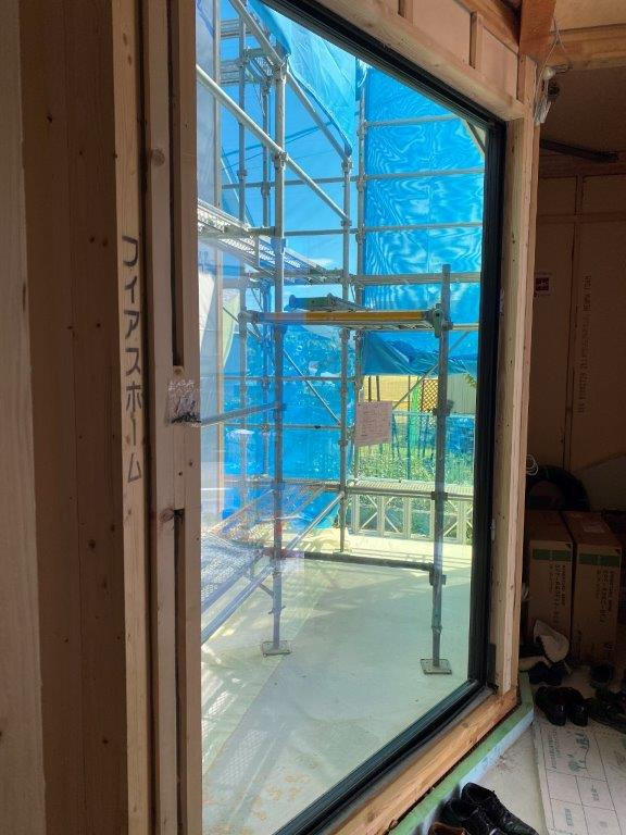 近江建設のサーモスXのサッシ